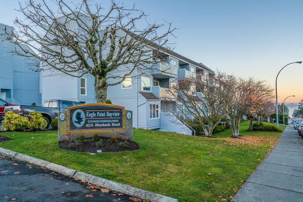 North Nanaimo Condo with Ocean Views