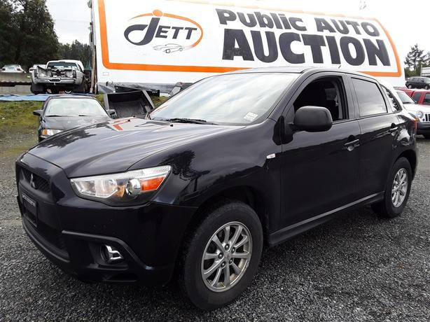 2011 Mitsubishi RVR loaded unit selling online and on site Saturday!