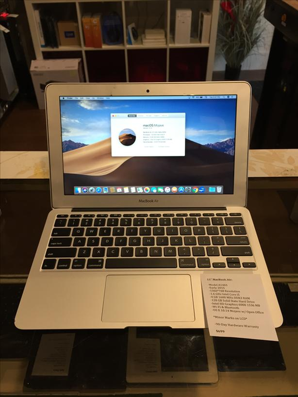 "11"" MacBook Air 1.7 GHz Intel Core i5 4 GB RAM 128 GB SSD w/ Warranty"
