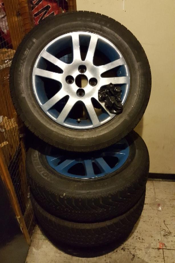 2 sets of Honda rims. 4 bolts