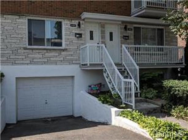 Spacious upper duplex, very bright 5 1/2 in Montreal.