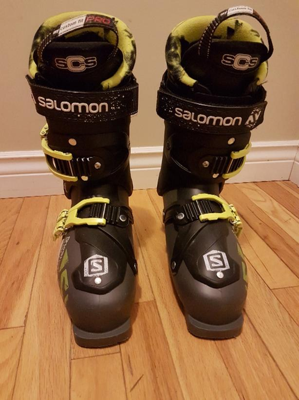 Salomon Ghost downhill ski boots