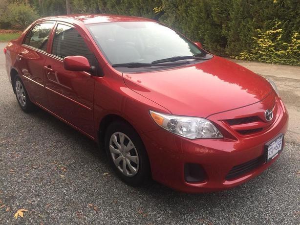 Toyota Corolla (50,000km) 2013 *w/ 3yr Warranty *PRICE REDUCED