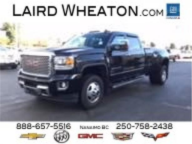 2015 GMC Sierra 3500HD Denali  4x4, No Accidents, Chrome Assist Steps