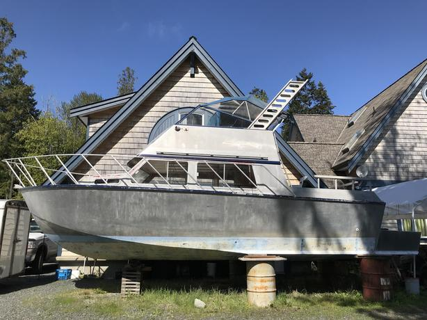 27ft welded aluminum boat with new pod