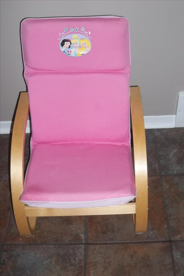 Pink Princess Chair For Sale in mint condition! for little girl.