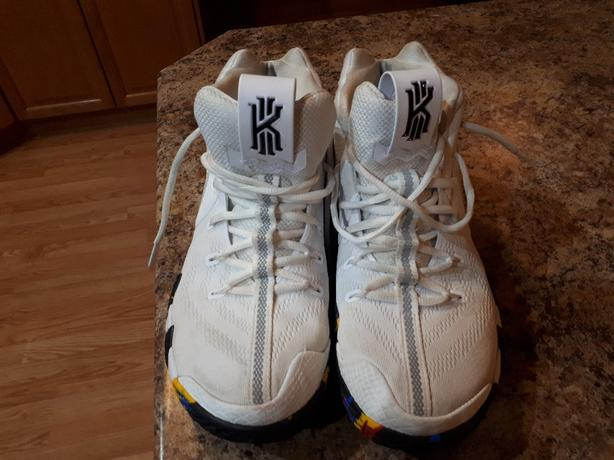 Kyrie Irving Nike's size 9.5