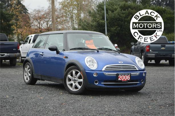 2006 Mini Cooper Classic Base