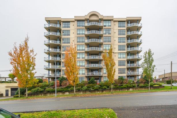 Ocean View Renovated Open Concept Condo