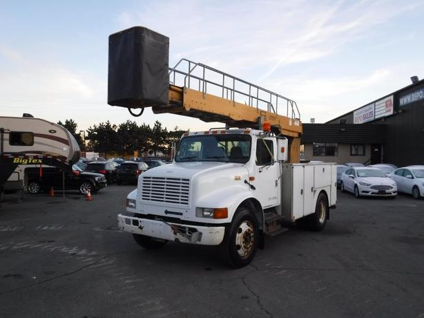 2001 International 4700 Bucket Truck Diesel with Air Brakes