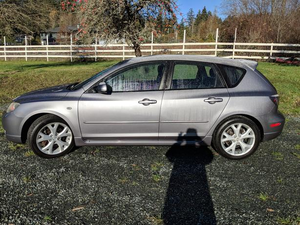 2005 Mazda 3 Sedan Hatchback *Clean w/Low K's*