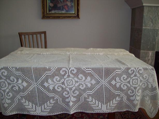 Handcrroshead Tablecloth