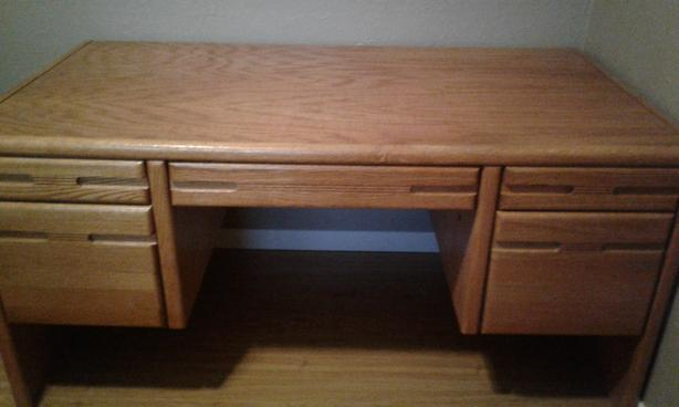 FREE: Desk