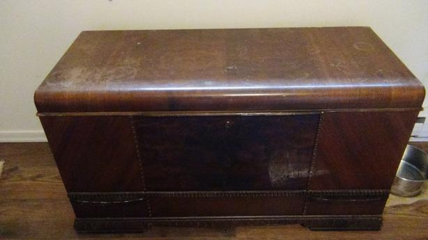 EATONIA VINTAGE CEDAR CHEST