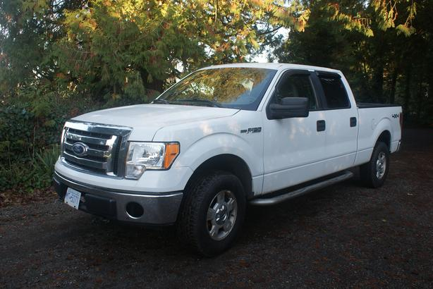 2010 FORD XLT  F150  4x4  CrewCab 7ft box-Great Work truck