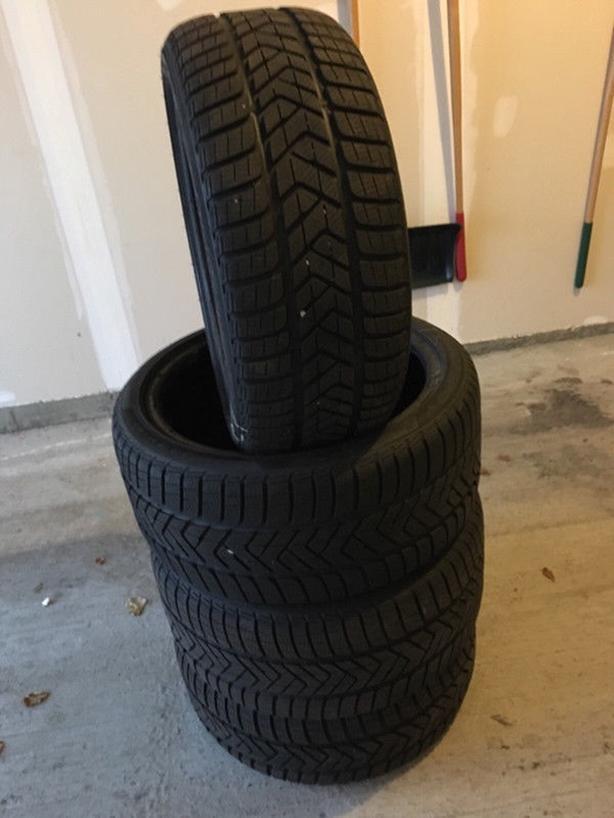 Winter Tires - Pirelli Sottozero Snow 235/40R18