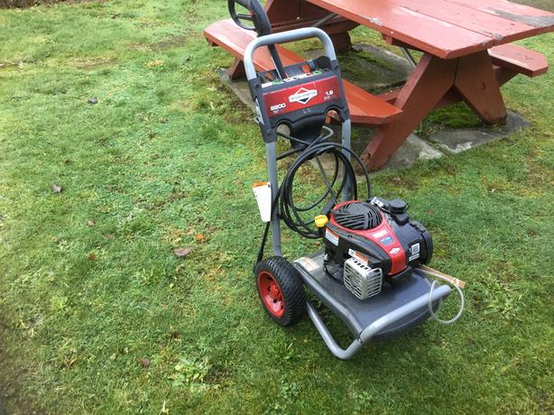 Pressure washer for parts
