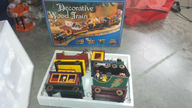 Christmas ~ Wood Train Set (Never Used)