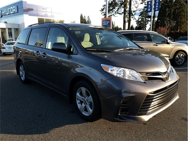 2018 Toyota Sienna LE, Heated Seats, Backup Camera, Power Doors