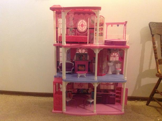 Barbie dreamhouse $50 OBO
