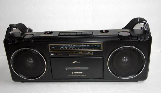 Pioneer SK-200 Vintage Boombox Radio Cassette