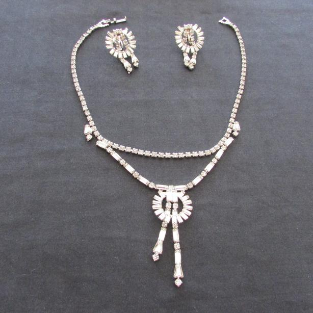Reduced!  Vintage Rhinestone Jewellry