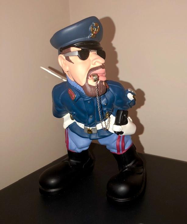Antartidee - Police officer statue - Italian hand made sculpture
