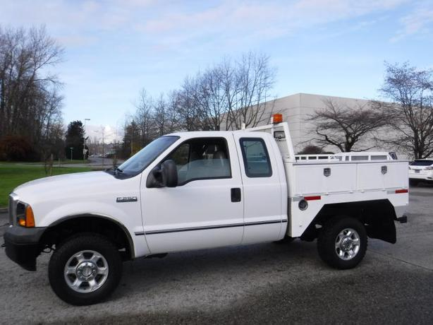 2007 Ford F-250 SD XL SuperCab 4WD Service Body