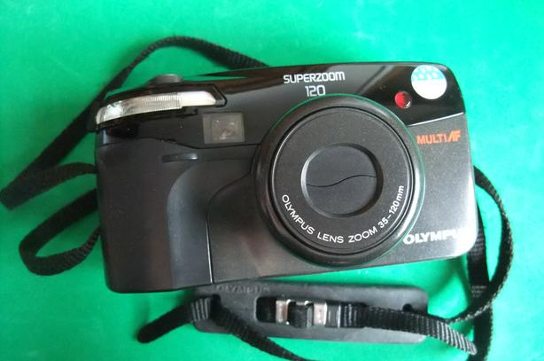 Olympus Superzoom 120 point and shoot 35mm film camera