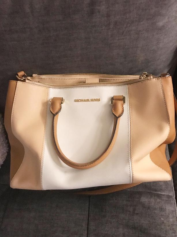 7433d87f931d Michael Kors Purse. Michael Kors Purse; Michael Kors Purse. Beautiful like  new leather ...