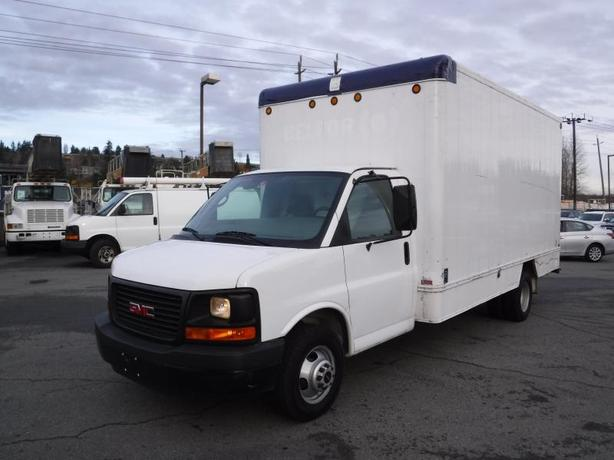2008 GMC Savana G3500 15 Foot Cube Van with Ramp