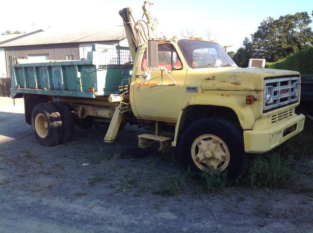 GMC6500 boom/dump 366 V8 propane 1978  87000 kms