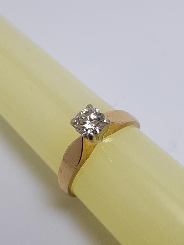 1/2 carat Solitaire Diamond Engagement/Anniversary/ Xmas Ring
