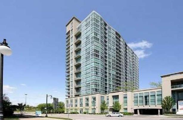 Upscale &  Modern 1 Bed Condo with FREE Parking & Spectacular View from Balcony