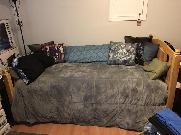 Twin Bed & Oak Frame