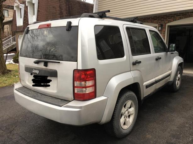 2009 jeep liberty 4x4, 133k km, one owner no accidents