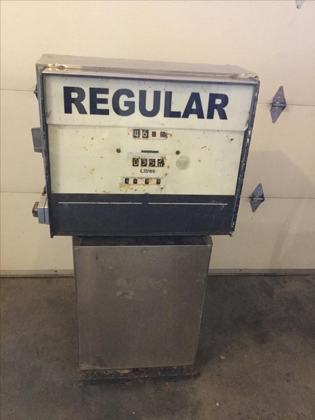 1960's Gas Pump Central Saanich, Victoria