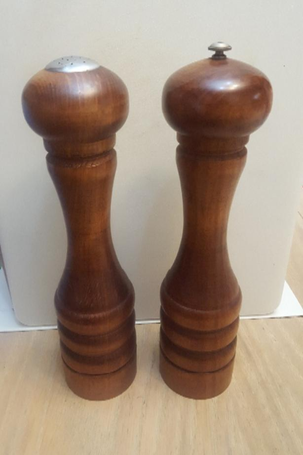 Baribocraft Vintage Salt and Pepper Shakers, Wooden Pepper Mill