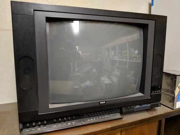 FREE: Retro tube tv and living room table