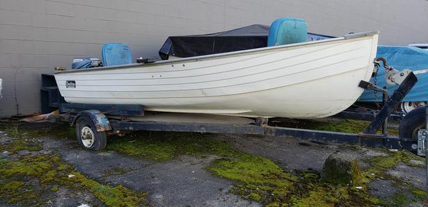  Log In needed $1,300 · 14ft Crestliner Aluminum boat and trailer for  sale!!