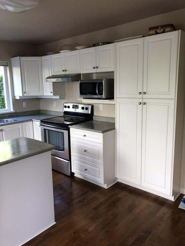 Good Condition Used Kitchen Cabinets And Stove Esquimalt View