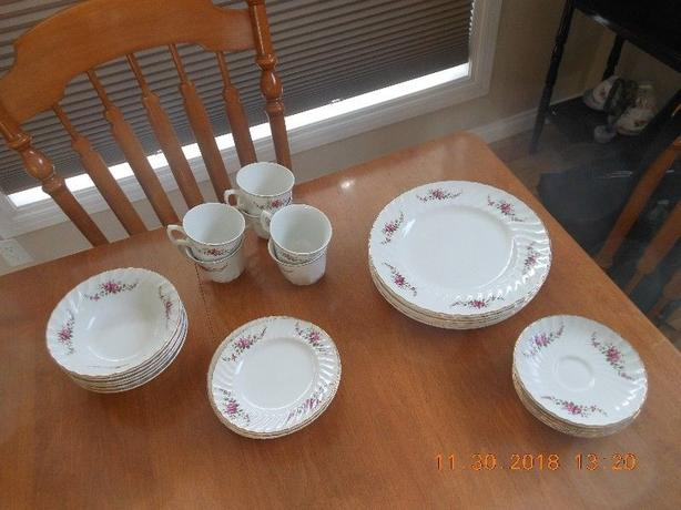 Vintage Ridgway Dainty Rose - Complete setting for 6