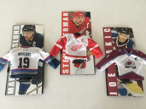 2003 MacDONALDS NHL MINI HOCKEY JERSEY'S WITH STANDS