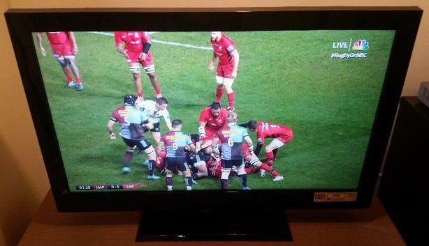 "40"" 1080p LCD flatscreen TV"