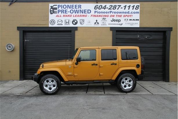 2014 Jeep Wrangler Unlimited SAHARA  EQUIP WITH NAV, LOW KMS 74725