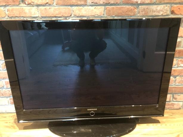 " Log In needed $50 · Samsung 42"" TV"