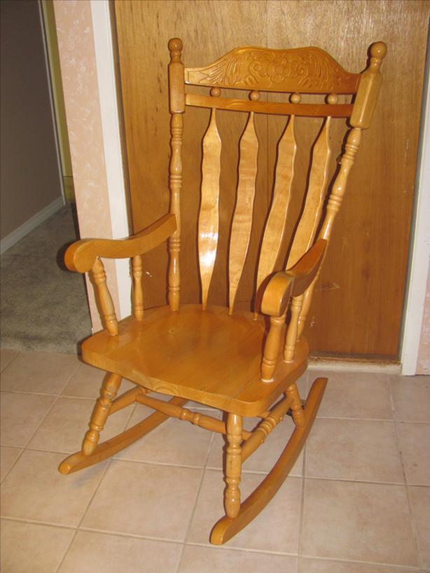 *** Wood Rocking Chair ***