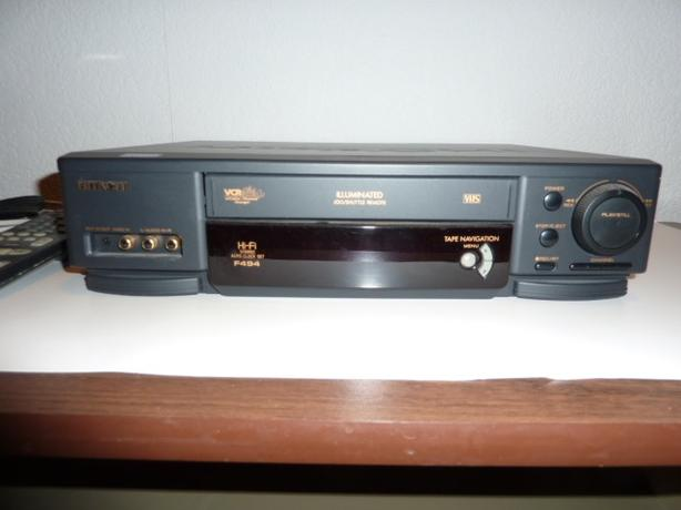 Hitachi VCR & tapes