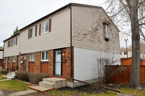 4-3884 Ness Ave -Professionally Marketed by The Judy Lindsay Team