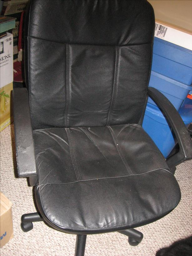 FREE: computer chair